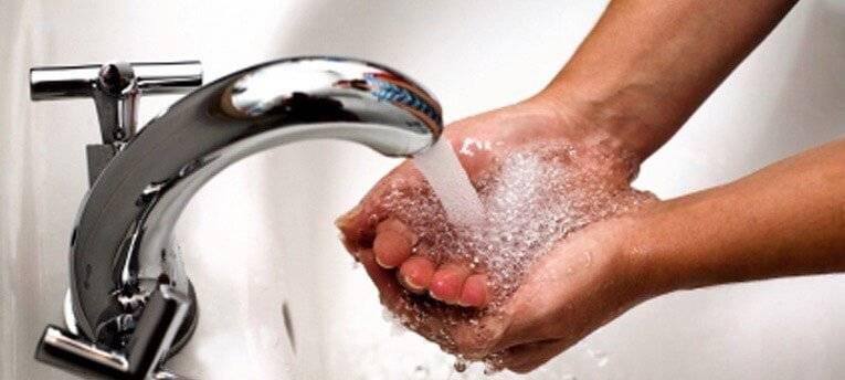 Laviamoci sempre le mani prima di cucinare
